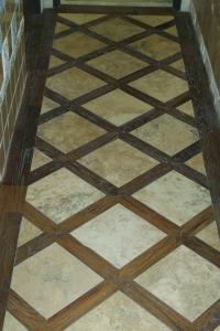 Lattice Pattern Hardwood Installation